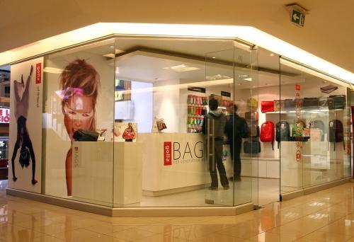 Golla Store. Local 01 del Boulevard Drugstore, Providencia